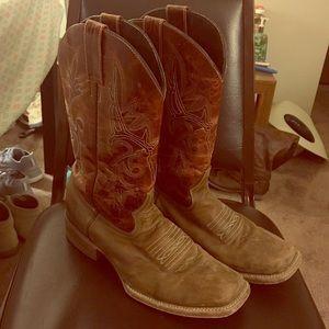 Shoes - Cabelas Bone Head Boots